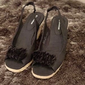NWOT black shoes with design across be toe